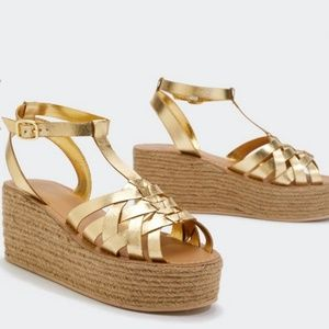 Shoes - Gold sandals NEW